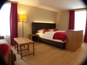 Tonputz von Emoton in Hotelzimmer Apres Post Hotel Arlberg